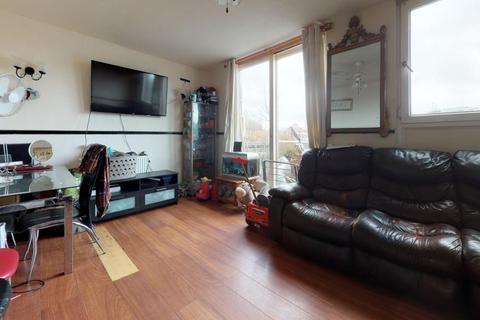 3 bedroom flat for sale - Doughty Court, Prusom Street, E1W