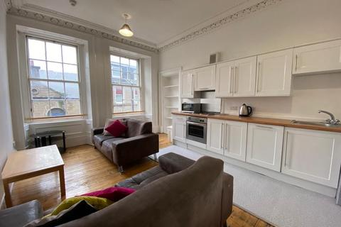5 bedroom flat to rent - 3/L, 32 Castle Street, DUNDEE