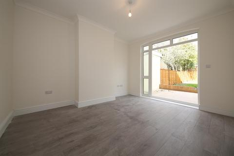 4 bedroom terraced house to rent - Hebdon Road, Tooting