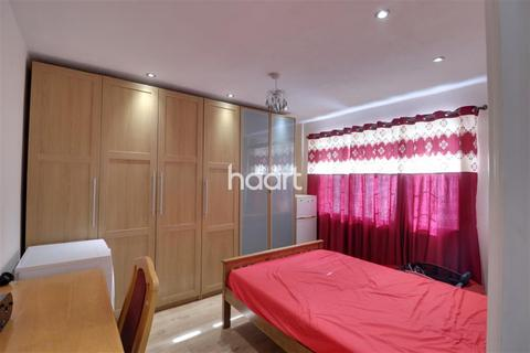 1 bedroom in a house share to rent - Star Road, Uxbridge, UB10