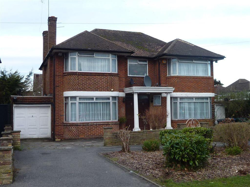 4 Bedrooms Detached House for sale in HARROWES MEADE, EDGWARE
