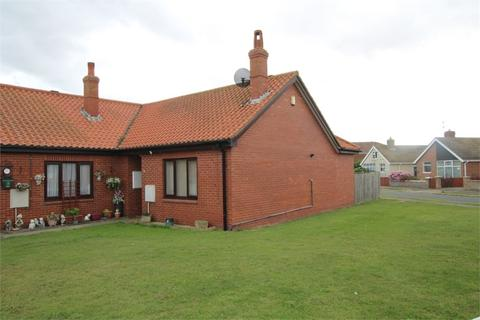 2 bedroom semi-detached bungalow for sale - Seathorne, Withernsea, East Riding of Yorkshire