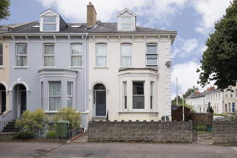 1 bedroom ground floor flat for sale - Hewlett Road, Cheltenham GL52 6AE