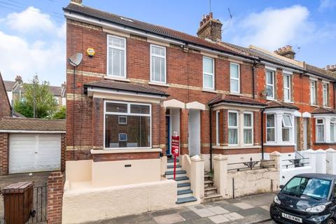 3 bedroom end of terrace house for sale - May Road, Rochester