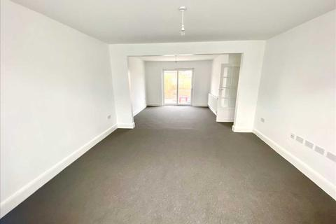 3 bedroom semi-detached house to rent - Eastcroft, Slough