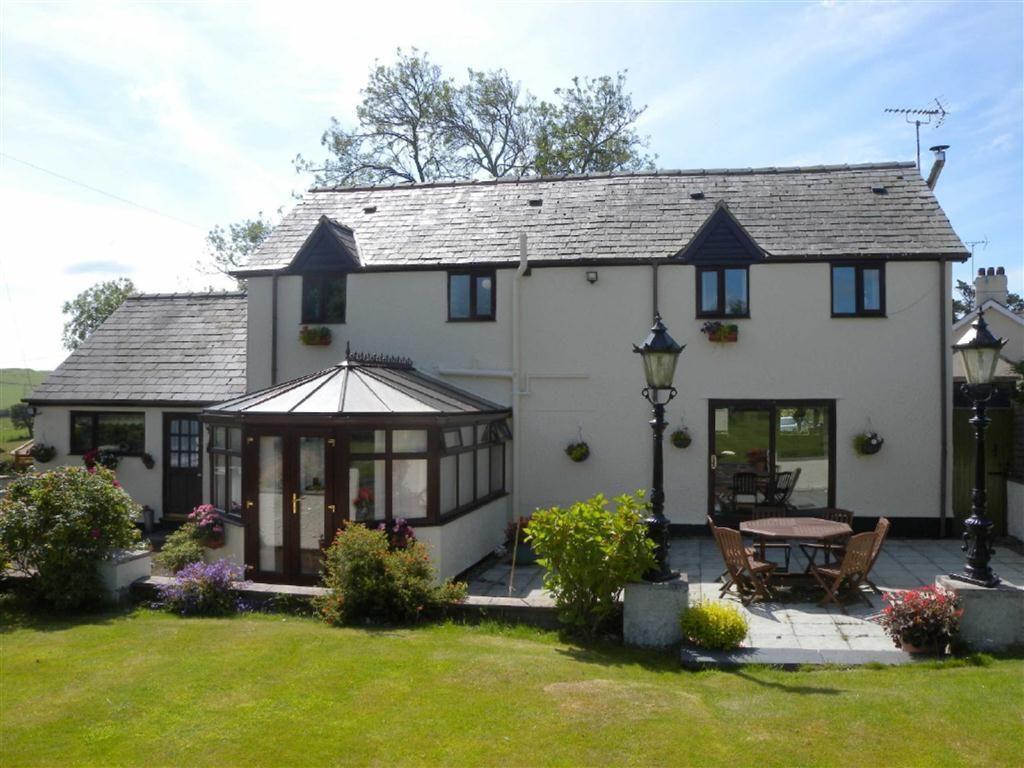 4 Bedrooms Detached House for sale in Pen Y Ffron, Llanrwst Road, Trofarth