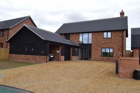 4 bedroom detached house to rent - Alpington