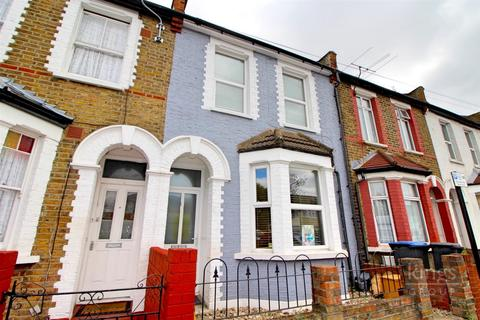 3 bedroom terraced house - Dysons Road, Edmonton, N18