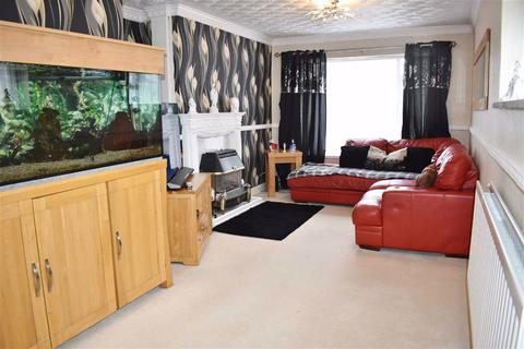2 bedroom flat for sale - Cardigan Crescent, Winch Wen