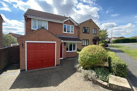 3 bedroom detached house for sale - Lambourn Drive, Allestree, Derby