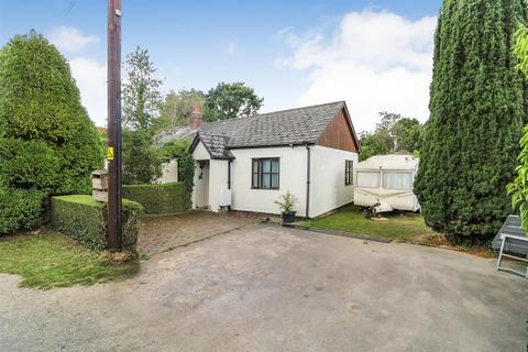 3 bedroom detached bungalow for sale - Stoney Hills, Burnham-On-Crouch