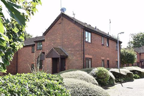 1 bedroom mews to rent - Birchgate Close, Macclesfield