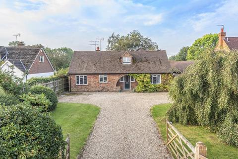 3 bedroom detached bungalow for sale - Chesham,  Buckinghamshire,  HP5