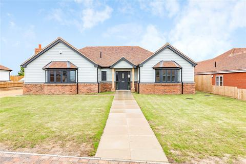 3 bedroom bungalow for sale - Charwood Mews, Burnham-on-Crouch, CM0