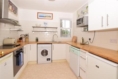 2 bedroom flat for sale - Walmer Castle Road, Walmer, Deal, Kent