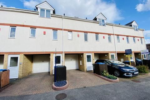 2 bedroom apartment for sale - Limes Mews, Egham, TW20