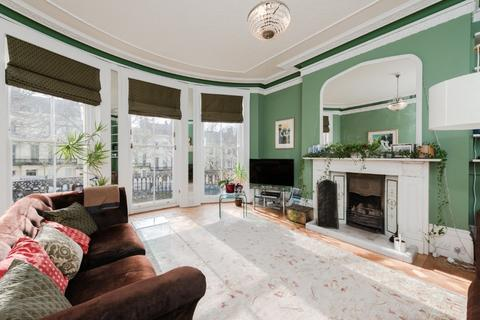 6 bedroom terraced house for sale - Powis Square, Brighton, East Sussex, BN1