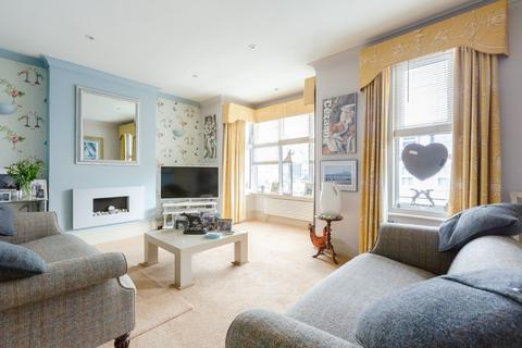 3 bedroom apartment for sale - Sutton Road, Seaford, East Sussex, BN25