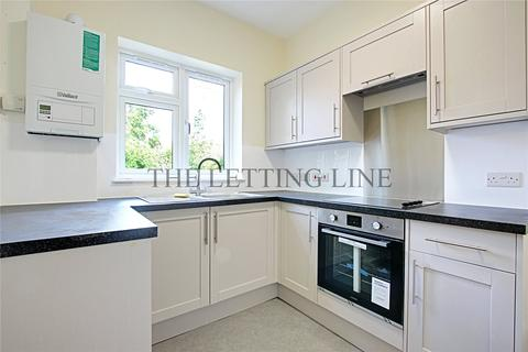 2 bedroom terraced house to rent - Sunnyside Road North, London, N9