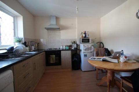 2 bedroom flat to rent - Wendover Street, High Wycombe HP11