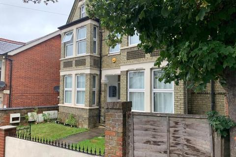 1 bedroom apartment to rent - 27 Priory Road, High Wycombe HP13