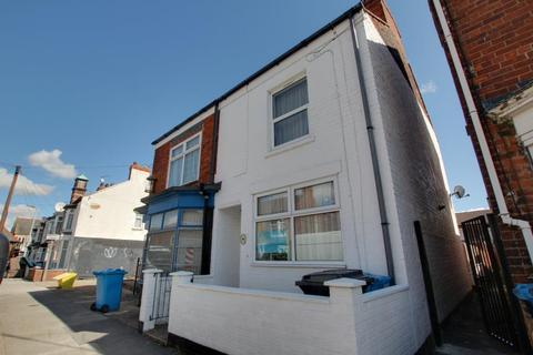 3 bedroom semi-detached house to rent - Brecon Street, Hull, HU8 8TN