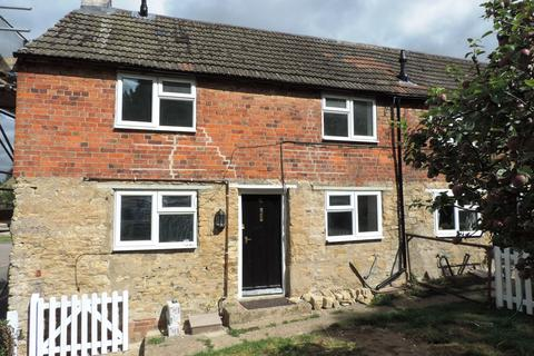 2 bedroom character property to rent - High Street, Carlton MK43