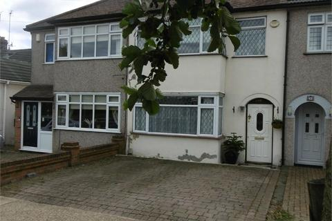 3 bedroom terraced house for sale - Havering Road, ROMFORD, Greater London