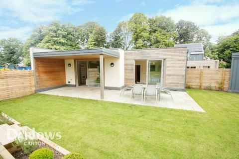 2 bedroom bungalow for sale - Great House Farm, Cardiff