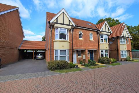 4 bedroom semi-detached house for sale - Kings Avenue, Ashford