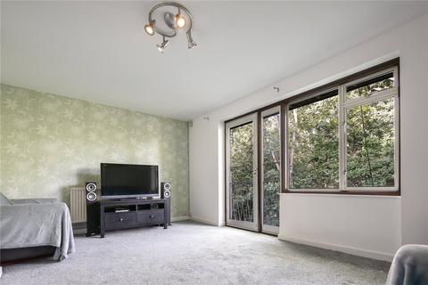 3 bedroom house for sale - Buxton House, Buxton Drive, London, E11