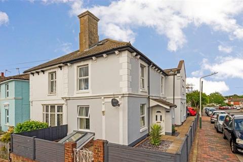 2 bedroom flat for sale - Avon Street, Tunbridge Wells