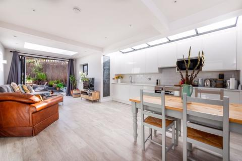 2 bedroom apartment for sale - Maybury Gardens, Willesden Green, London, NW10