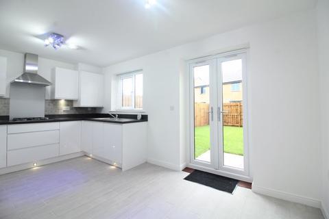 3 bedroom semi-detached house to rent - Eden Park Court, Kenton Bank Foot