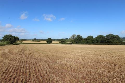 Farm land for sale - 4.91 acres (1.988 ha) of Arable/Pasture Land off Leigh Road, Bramshall, Uttoxeter, Staffordshire