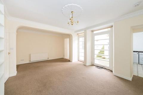 4 bedroom flat to rent - GF Lynedoch Place, Edinburgh