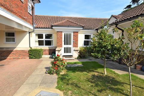 1 bedroom bungalow for sale - Spital Road, Maldon, CM9