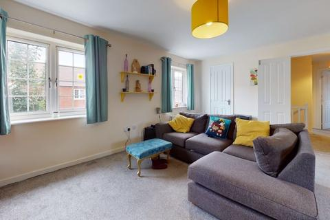 2 bedroom coach house for sale - Epsom Way, Kingsmere