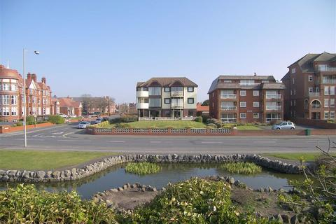 2 bedroom apartment for sale - 83 South Promenade, Lytham St Annes, Lancashire