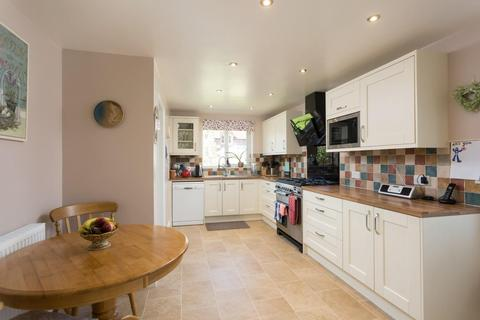 4 bedroom detached house for sale - Jervis Court, Sutton On Derwent, York