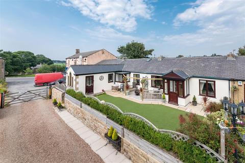 3 bedroom terraced bungalow for sale - Chapel Row, Grange Moor, Wakefield