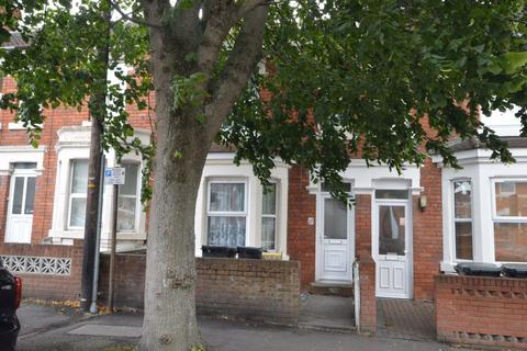 4 bedroom house to rent - York Road, Swindon, Swindon