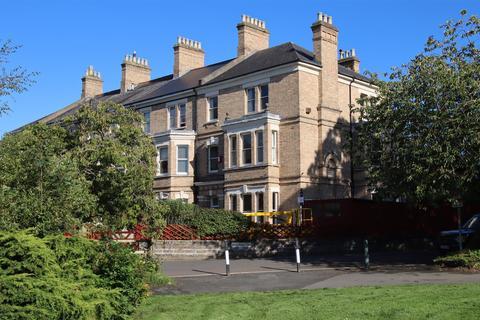 6 bedroom semi-detached house for sale - Rock Park Barnstaple