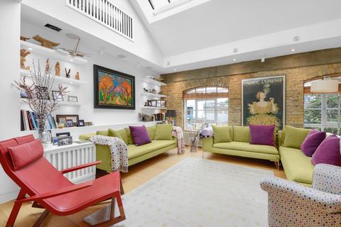 3 bedroom flat for sale - Battersea Square, London, SW11