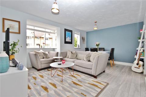 2 bedroom apartment - Varsity Drive, Twickenham, TW1