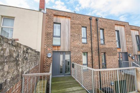 3 bedroom end of terrace house for sale - Picture House Court, Bristol, BS3 1BF