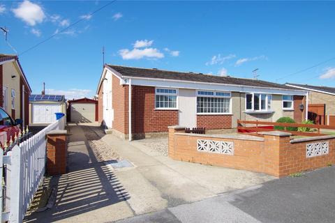 2 bedroom bungalow - Alured Garth, Hedon, Hull, HU12