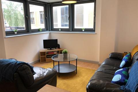 2 bedroom flat to rent - Velocity North, City Walk, Leeds, LS11 9BE