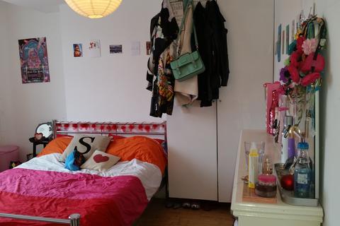 4 bedroom flat - Endymion Road, Brixton, London SW2
