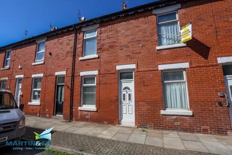 2 bedroom terraced house to rent - Lewtas Street, Blackpool
